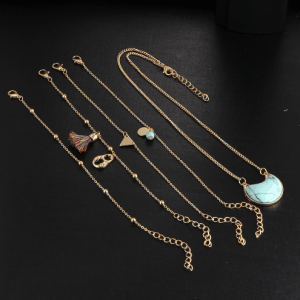 Turquoise Bracelet+Necklace Set. Click here for more beautiful bracelets. Shop all musthave jewellery by Aphrodite. Free worldwide shipping and gift.