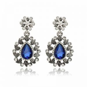 Blue Gemstone Statement Earrings. Click here for more beautiful statement earrings. Shop all musthave jewellery by Aphrodite. Free worldwide shipping.