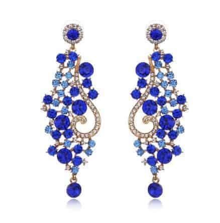 Blauwe statement oorbellen met kristallen.Voor meer leuke statement oorbellen klik hier.Gratis verzending en cadeau.Bestel snel en veilig.
