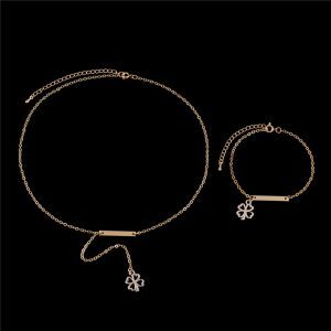 Clover Necklace+Bracelet Set.click hear to shop more beautiful jewellery sets. Shop all musthave jewellery by aphrodite. Free worldwide shipping and gift.