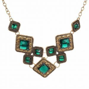 Green Geometric Necklace. Click here for more beautiful statement necklaces. Shop all musthave jewellery by Aphrodite. Free worldwide shipping and gift.