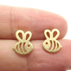 Gold Bee Earstuds.click hear for more delicate earrings.shop all musthave jewellery by aphrodite.Free worldwide shipping and gift.