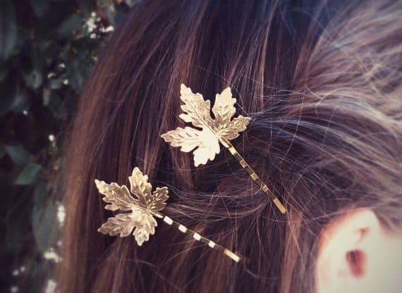 Gouden Blad Haarspeld. Klik hier voor meer leuke haaraccessoires. Shop alle musthave sieraden bij Aphrodite. Gratis verzending en cadeau.