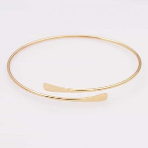 Simple Gold Bracelet. Click here for more beautiful bracelets. Shop all musthave jewellery by Aphrodite. Free worldwide shipping and gift.