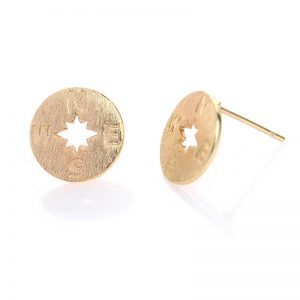 Gold Compass Earrings. Click here for more cute earrings. Shop alle musthave jewellery by Aphrodite. Free worldwide shipping and gift.