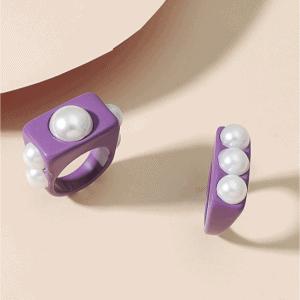 grote opvallende ringen, trendy, sieraden, parels, accessoires, paars, zomer, dames