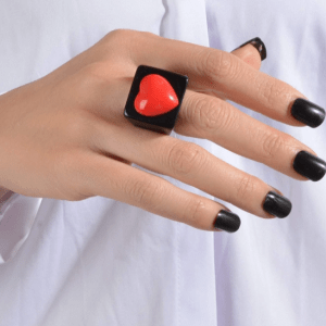 grote ring, opvallende ring, sieraden, dames, accessoires, zwart, rood, sieraden, dames, accessoires