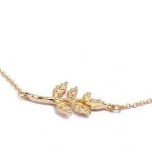 Gold Leaf Necklace. click hear to shop more beautiful delicate necklaces. Shop all musthave jewellery by aphrodite. Free worldwide shipping and gift.