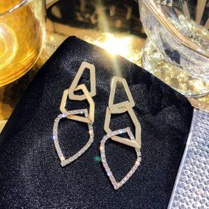 lange oorbellen, statement, diamanten, zirconia, sieraden, goud, kristallen