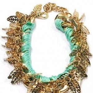 Mintgroene Armband Met Bladeren. Klik hier voor meer leuke statement armbanden. Shop alle musthave sieraden bij Aphrodite. Gratis verzending en cadeau.