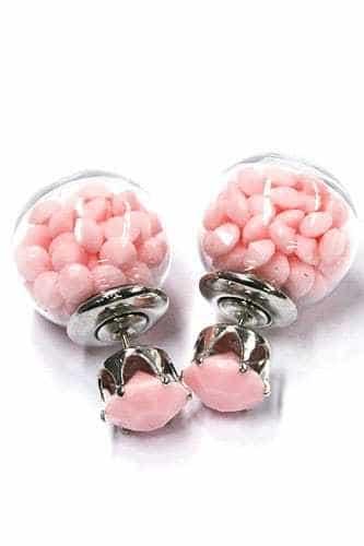 Roze Oorstekkers met kralen.Klik hier voor meer leuke statement oorbellen.Shop alle musthave sieraden bij aphrodite. Gratis verzending en cadeau.