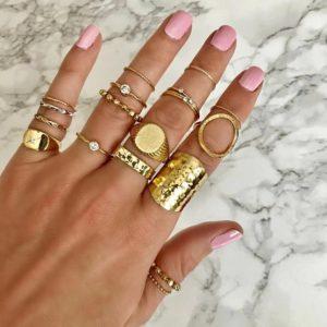 ringen set, goud, sieraden, minimalistisch, statement, zirconia, diamant, kristal, dames