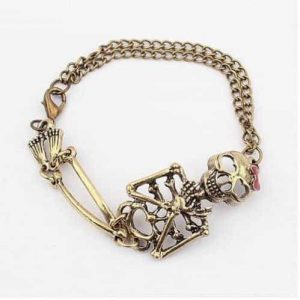 Skull Bracelet. Click here for more beautiful bracelets. Shop all musthave jewellery by Aphrodite. Free worldwide shipping and gift.