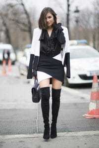 Zwart witte outfit bij een zwarte choker ketting