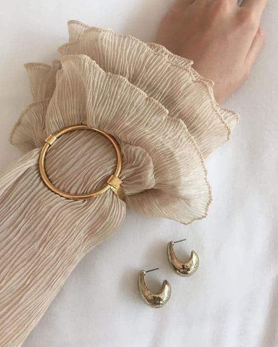 armbandje rond, met blouse