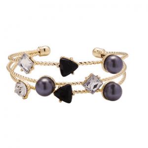 Laagjes Statement armband.Klik hier voor meer leuke armbanden.Shop alle musthave sieraden bij aphrodite. Gratis verzending en cadeau.Bestel snel en veilig.