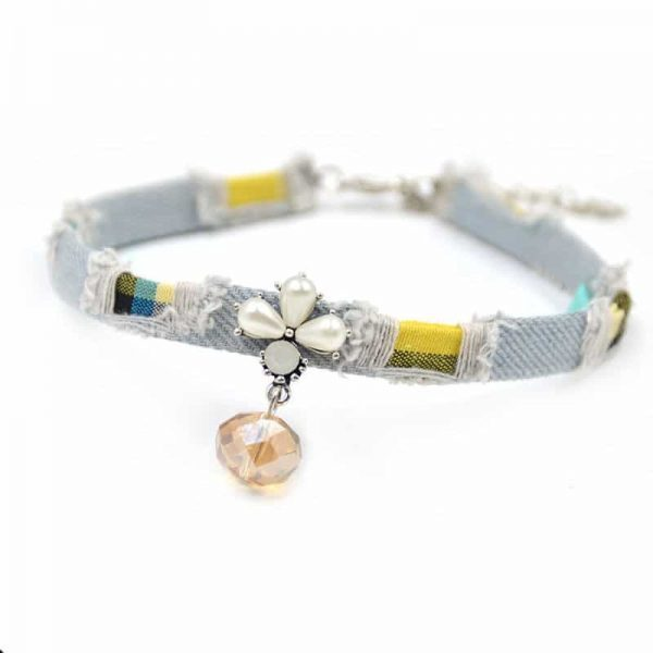 Choker With Flower. click hear to shop more beautiful chokers. Shop all musthave jewellery by aphrodite. Free worldwide shipping and gift.