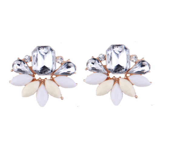 Crème - White Statement Earrings. Click here for more beautiful statement earrings. Shop all musthave jewellery by Aphrodite. Free worldwide shipping.