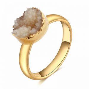 Gouden Ring Met Natuursteen. Klik hier voor meer leuke ringen. Shop alle musthave sieraden bij Aphrodite. Gratis verzending en cadeau.