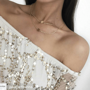Layered Necklace With Double Disc. Click hear for more beautiful layered necklaces.Shop all musthave jewellery by aphrodite.Free worldwide shipping.