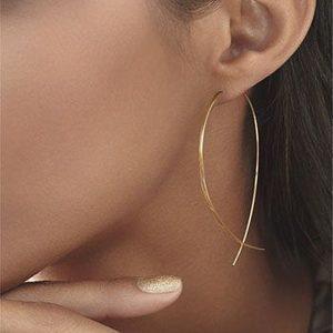 Super elegante oorbellen die zeker niet in je sieraden collectie mag ontbreken. Deze oorbellen zijn perfect om samen met andere sieraden te dragen.
