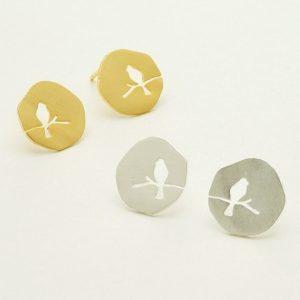 Minimalistische Oorbellen Vogel.Klik hier voor meer leuke minimalistische oorbellen.Shop alle musthave sieraden bij aphrodite. Gratis verzending en cadeau.
