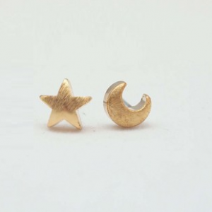Gold Star And Moon Earrings. Click here for more cute earrings. Shop all musthave jewellery by Aphrodite. Free worldwide shipping and gift.