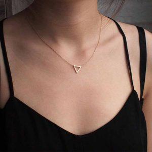 minimalistische ketting, goud, zilver, driehoek, musthave, sieraad, dames