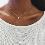 Minimalistische Gouden Ster Ketting. Klik hier voor meer subtiele kettingen. Shop alle musthave sieraden bij Aphrodite. Gratis verzending en cadeau.