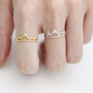 minimalistische berg ring, goud, sieraden, fashion, accessoire