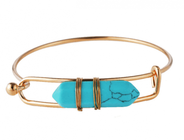 Light Blue Natural Stone Bracelet. Click here for more beautiful bracelets. Shop all musthave jewellery by Aphrodite. Free worldwide shipping and gift.