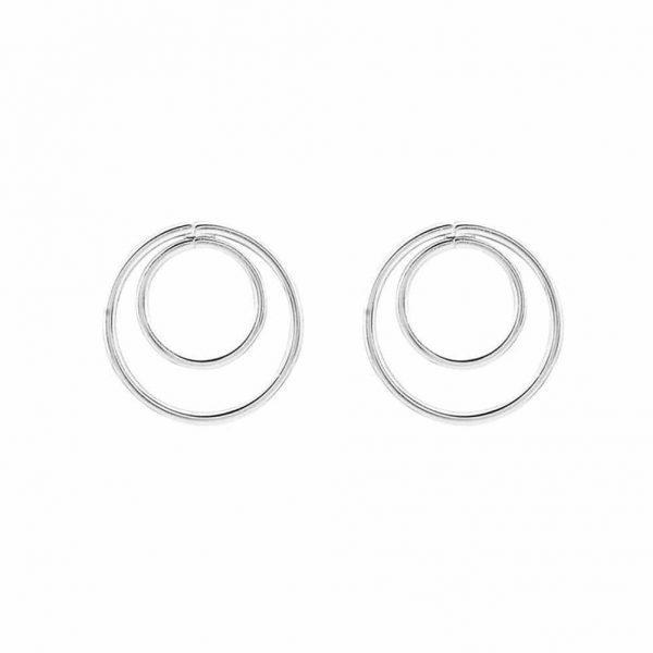 Zilver Dubbel Cirkel Oorstekkers. Klik hier voor meer leuke minimalistische oorbellen.Shop alle musthave sieraden bij aphrodite. Gratis verzending.