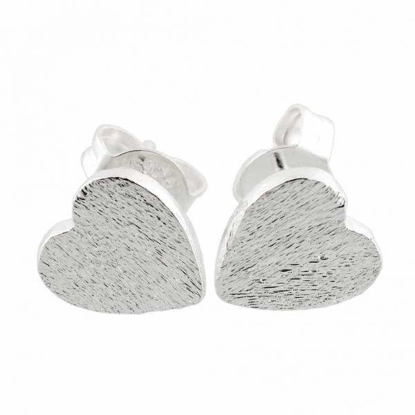 Zilver Hart Oorstekers. Klik hier voor meer leuke statement oorbellen.Shop alle minimalistische sieraden bij aphrodite. Gratis verzending en cadeau.