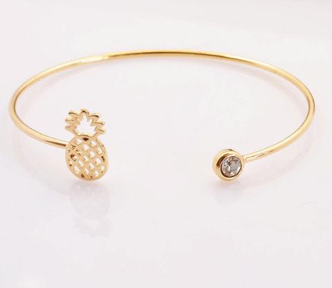 Gouden Ananas Cuff Armband.Klik hier voor meer leuke armbanden.Shop alle musthave sieraden bij aphrodite. Gratis verzending en cadeau.Bestel snel en veilig.
