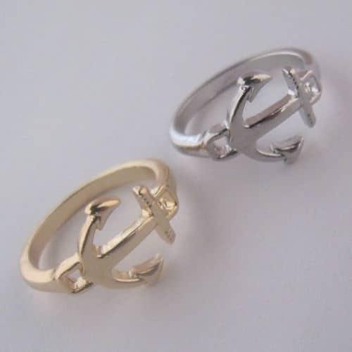 Anker ring-kleur zilver en goud.Voor meer leuke ringen klik hier.Shop alle musthave sieraden bij aphrodite.Gratis verzending en cadeau.