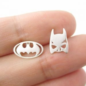 Silver Batman Earrings. Click here for more cute earrings. Shop all musthave jewellery by Aphrodite. Free worldwide shipping and gift.