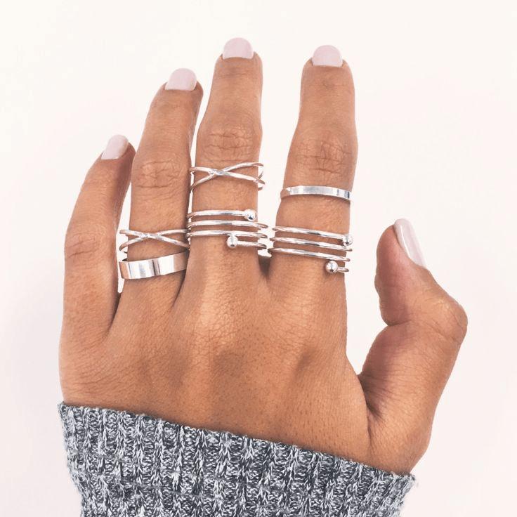 Ring Set Zilver Spiraal 6Stks. Klik hier voor meer leuke ringen.Shop alle musthave sieraden bij aphrodite. Gratis verzending en cadeau.