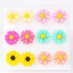 Sunflower Earrings.Click here for more cute earrings. Shop all musthave jewellery by Aphrodite. Free worldwide shipping and gift.