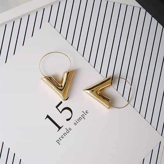 v oorbellen, earrings, goud ,sieraden,musthave, dames, fashion