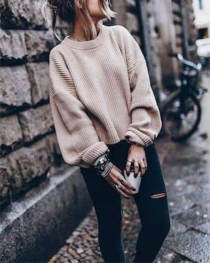 casual outfit,layer,bracelets